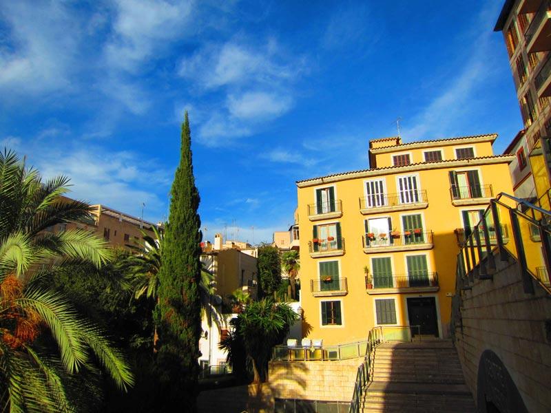 Foto von: Ute Fuhrmann Leserfoto: In der Altstadt von Palma de Mallorca aufgenommen bei einem Tagesausflug ! Traumhaft schön ist es dort.