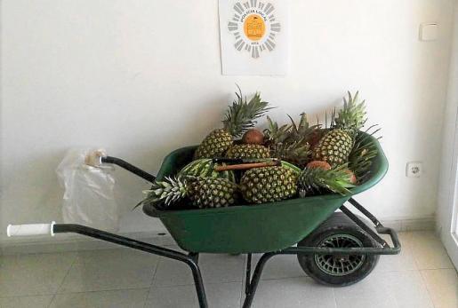 Beschlagnahmtes Obst an der Cala Torta