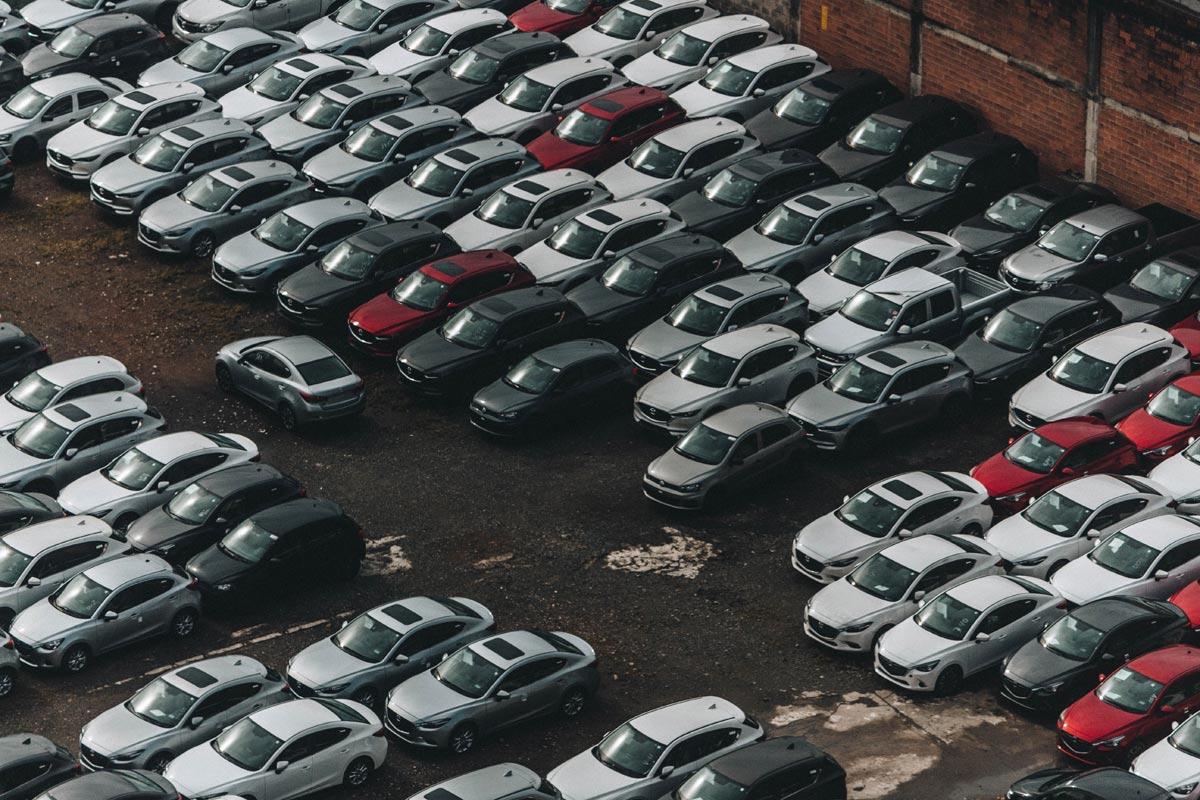 Grosser Parkplatz