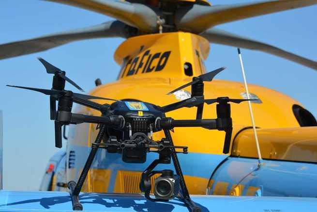 Verkehrsüberwachung der DGT mit Drohnen und Helikopter